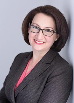 استفانی دنیس[1] رهبر نوآوری و تیم مدلاین پلاس در کتابخانه ی ملی پزشکی